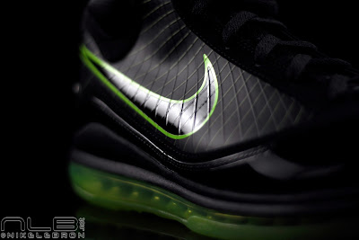 lebron7 black dunkman 69 web Air Max LeBron VII Black/Electric Green aka Dunkman Showcase