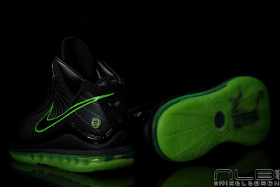 lebron7 black dunkman 91 web Air Max LeBron VII Black/Electric Green aka Dunkman Showcase