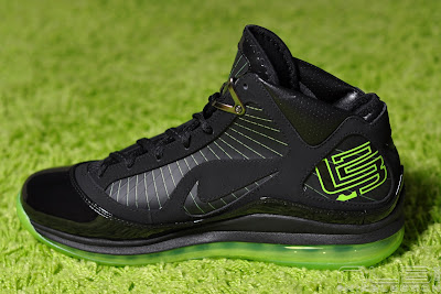 lebron7 black dunkman 84 web Air Max LeBron VII Black/Electric Green aka Dunkman Showcase