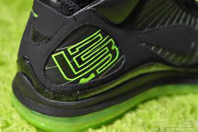 lebron7 black dunkman 78 web Air Max LeBron VII Black/Electric Green aka Dunkman Showcase