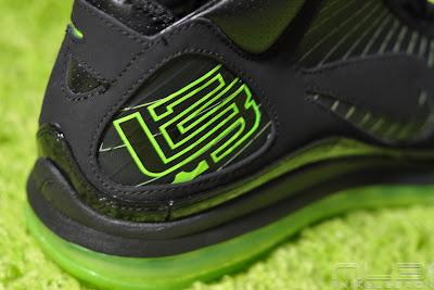 lebron7 black dunkman 78 web Air Max LeBron VII Black/Electric Green aka Dunkman Showcase