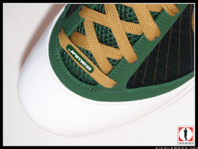 nike air max lebron 7 pe svsm away 3 03 Air Max LeBron VII (7) SVSM Away Player Exclusive Showcase