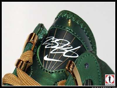 nike air max lebron 7 pe svsm away 3 05 Air Max LeBron VII (7) SVSM Away Player Exclusive Showcase
