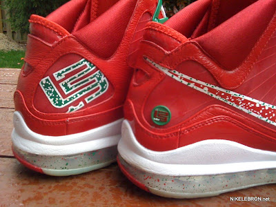 nike air max lebron 7 pe big apple 1 05 Leaked: Nike Air Max LeBron VII Xmas Sample / Big Apple PE