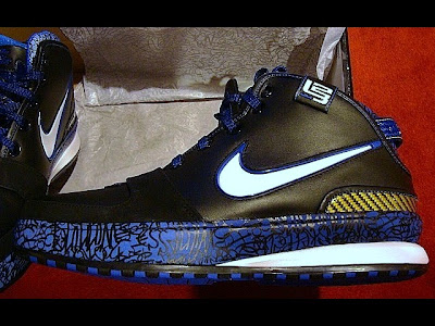nike zoom lebron 6 gr black blue maize 1 06 Upcoming Black White Royal Maize Nike Zoom LeBron VI