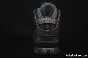 nike zoom lebron 6 gr black anthracite 9 07 General Release Zoom LeBron VIs   Black   Navy   New Photos