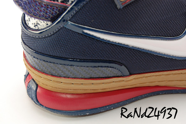 High Quality Photos Featuring the Chalk Nike Zoom LeBron VI with 3M