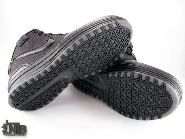 8220Triple Black8221 Nike Zoom LeBron VI in High Definition
