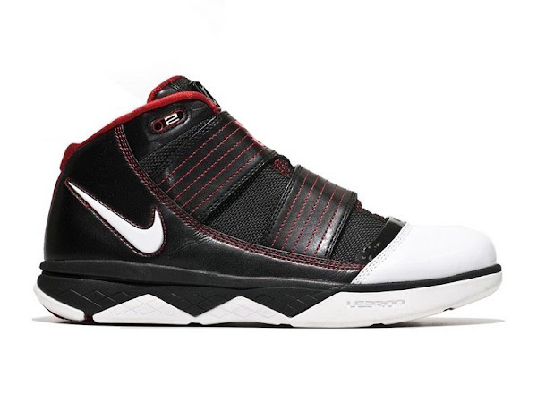 Nike Zoom Soldier III Production vs Sample Comparison