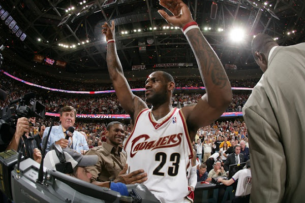 LeBron James Hits Buzzer Beating Game Winner Series Tied
