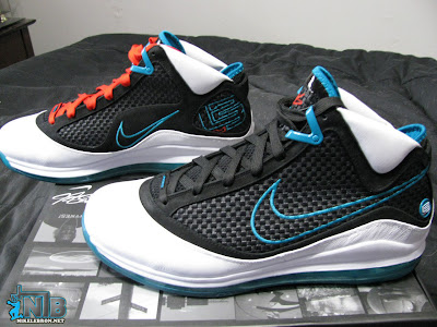 nike air max lebron 7 gr white black aqua 2 03 Red Carpet Preview: Nike Air Max LeBron VII NFW (No FlyWire)