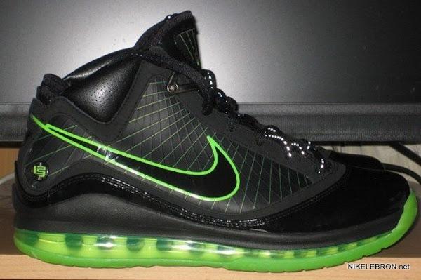Black Dunkman Nike Air Max LeBron VII 7 First Close Up