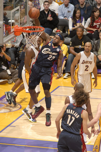 kobe bryant dunking on lebron james all star game. Kobebryant jumps over , rose