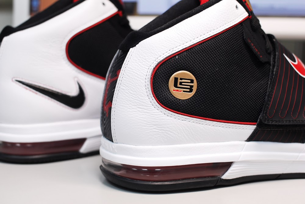 ... Nike Zoom LeBron Soldier IV 8211 BlackWhiteRed 8211 Actual Photos ... 980e40083f