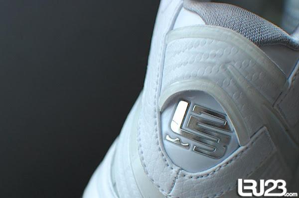 Nike Air Max LeBron VIII Kids Size All White Sample 8211 Unteasered