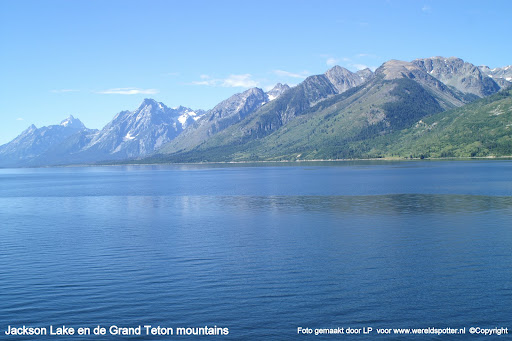 015 Yellowstone Jackson Lake met achtergrond Grand Teton mountains.JPG