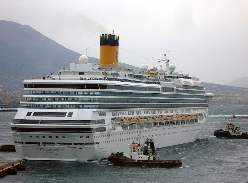 Costa Concordia Napels 27 april 2009