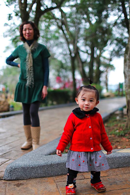 大女兒漸漸不願拍照...小的先上!!