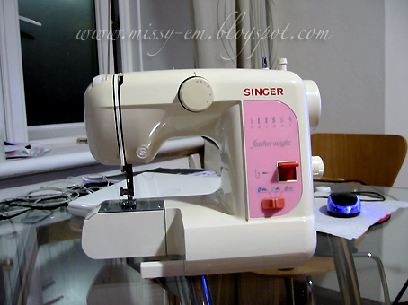 likes to shop not spend alot singer featherweight 100 sewing rh missy em blogspot com singer featherweight ii sewing machine manual singer featherweight sewing machine owner's manual