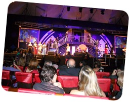 Sileia no palco do seminario