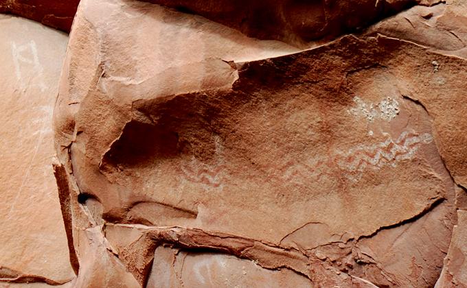 DSC_0168 rainbow snake number 2 along with other symbols petroglyphs honanki sinagua ruins en az.jpg