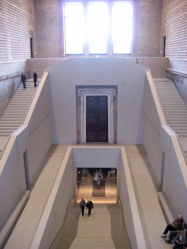 neues museum.jpg