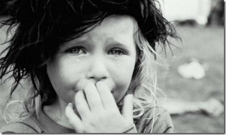 nilña que llora