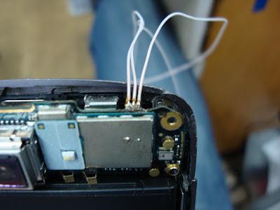 Провода можно припаять прямо к остаткам шлейфа, но они могут отовраться :(