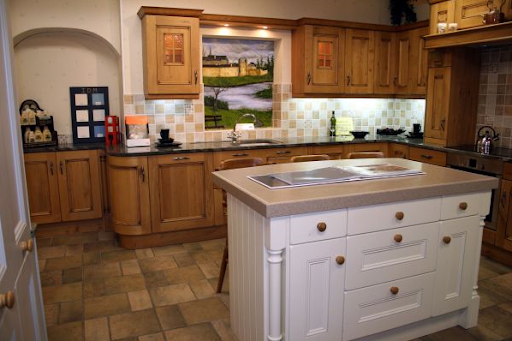 Traditional Kitchen Design in House Designs