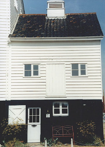 The old Granary Cottage Design from Unique Home Stays