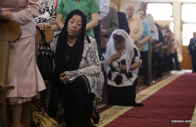 2009复活节 虔诚的教徒,教堂,祷告
