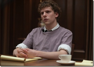 jesse-eisenberg-interpreta-mark-zuckerberg-fundador-do-site-de-relacionamentos-facebook-em-a-rede-social-1290808800129_560x400