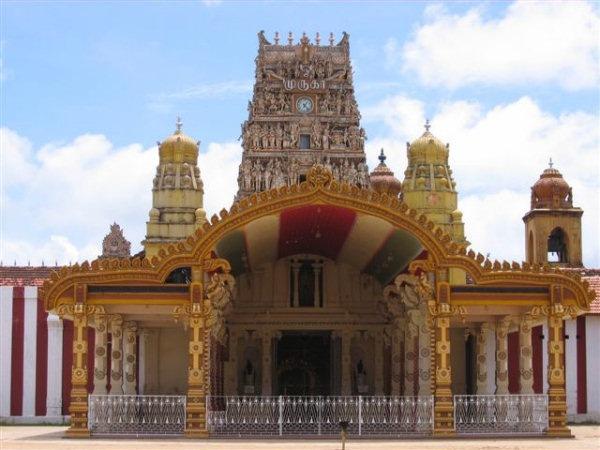 [nallur_kandaswamy_temple_3[1][7].jpg]