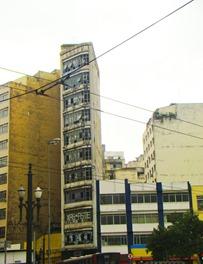 Prédio abandonado no final do Viaduto D. Paulina com R. Quintino Bocaiúva, no centro. Foto: Gladstone Barreto