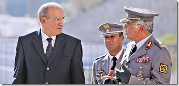 Ministro da Defesa Augusto Santos Silva e o general Valenca Pint