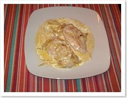 Pechuga de pollo con nata.
