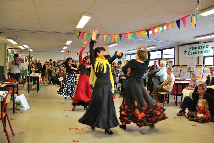 Danse lors du Festival des Langues 2009