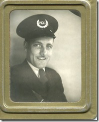 zoomed picture of Dad in uniform