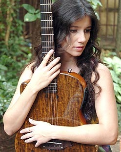 Paula-Fernandes (1)