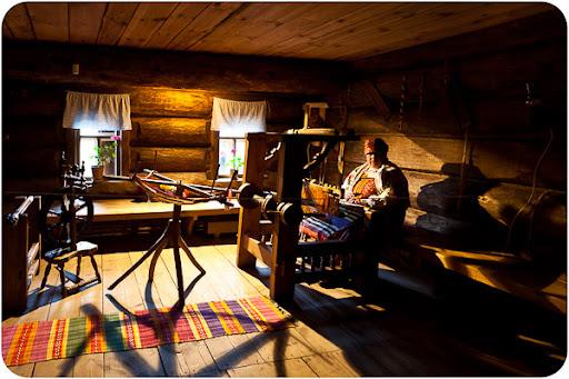 Rosyjski: Suzdal - muzeum drewnianej architektury, dużo zdjęć, opis po rosyjsku