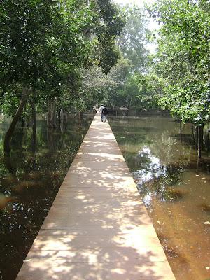 Entrance of Preah Neak Pean