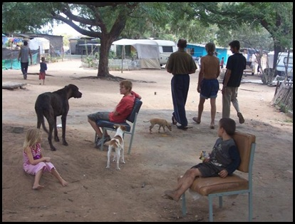 Afrikaner poor in South africa are denied food aid from ANC regime who says its racist to feed hungry whites (2)