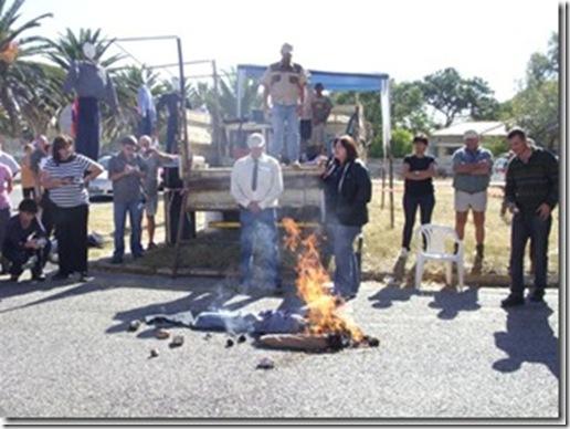 OdendaalsrustFarmersProtestAgainstMurdersApril192009court