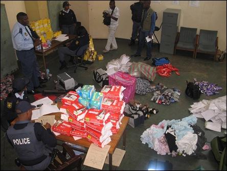 DurbanPolicePEPSTOREROBBERYgoodsSuspectsArrestedJuly292009