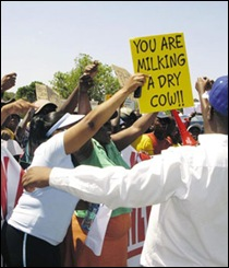 NEWCASTLE RATE_ELECTRICITY PROTESTS OCT82009 PIC DRIESLIEBENBERG_BEELD
