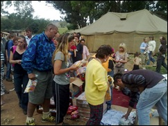 Afrikaners Krugersdorp squatter camp fetching donated food Helpende Hand