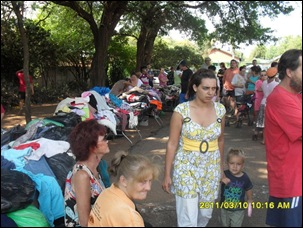 AFRIKANERS_PRETORIA-WAITING_FOODHANDOUTSFREEDOMFRONT