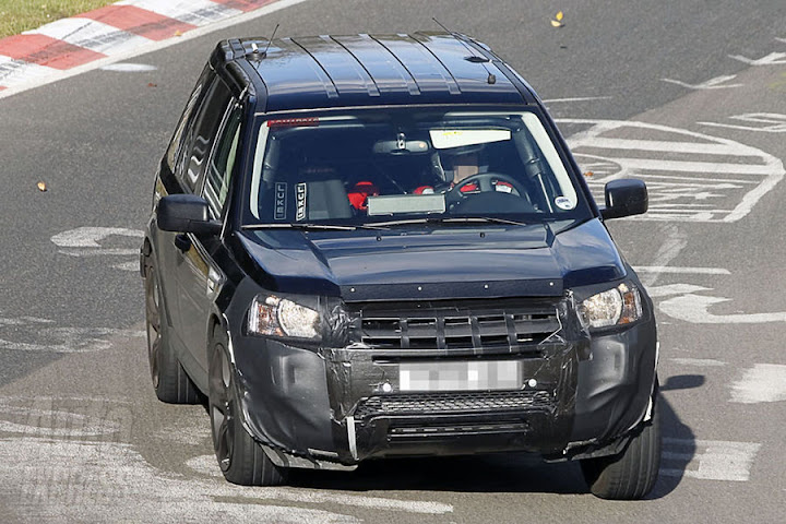 Land Rover LRX image