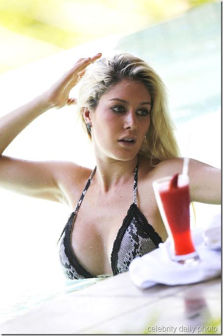 heidi-montag-bikini-in-costa-rica (7)