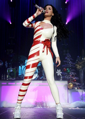 katy_perry_candy_cane_camel_toe